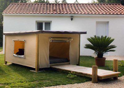 Tente Mataï à ossature bois avec ponton d'accueil